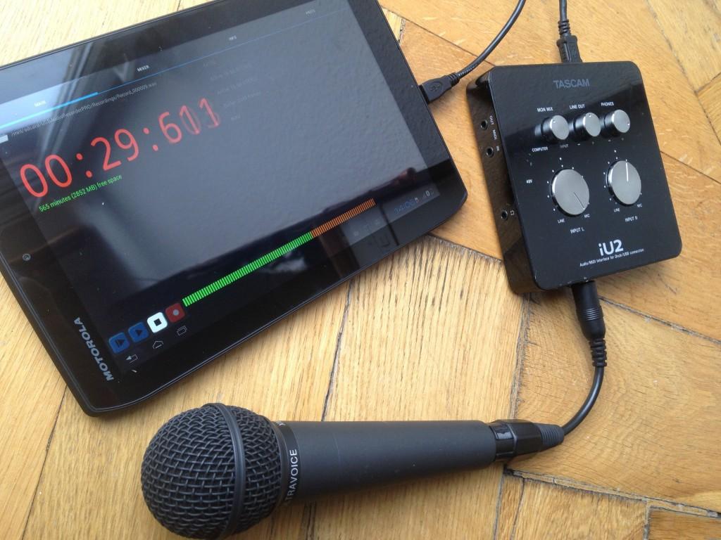 Theoretisch kann man Audio Interfaces und professionelle Mikrofone mit Android Verbinden. Praktisch ergeben sich dabei aber viele Probleme.
