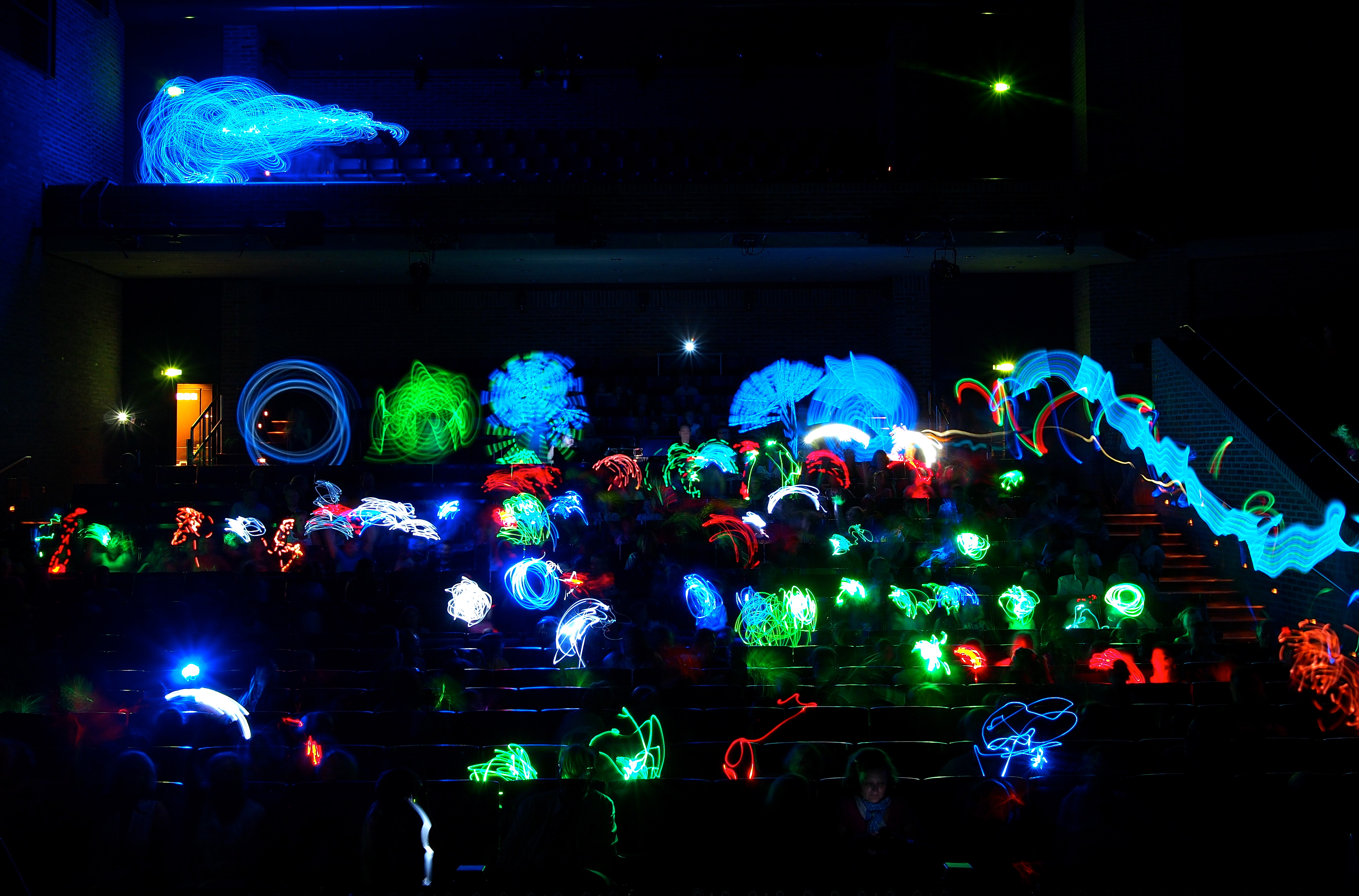 Publikums Lightpainting, Entstanden beim Kinderfotopreis München 2013 im Carl Orff Saal des Gasteig, Fotograf: Ulrich Tausend