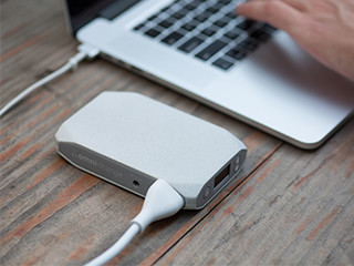 use omnicharge to charge your laptop mobile
